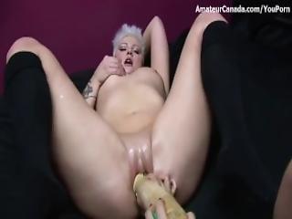 amatör, bystad, knubbig, dildo, fingring, stor dildo, insättning, onani, orgasm, sexig, Tonåring, leksaker