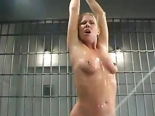 Prison, Torture