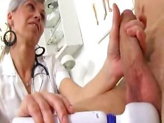 Tsjechisch, Arts, Groot Moeder, Oma, Sperma, Volwassen, Medisch, Milf, Mam, Moeder, Dun, Jong