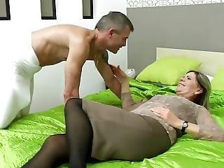 šukání, Babča, Chlupaté, Dospělé, Milf, Sexy, Mladé