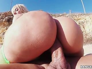 Bubble-butt Blondie Fesser Shows Off Her Latin Assets To The Beach