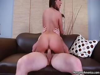 adultère, cul, gros cul, brunette, canapé, sperme, deepthroat, bite, exgf, sol, hardcore, tâlons, tâlons hauts, latino, naturel, seins naturels, petite, percée, rasée