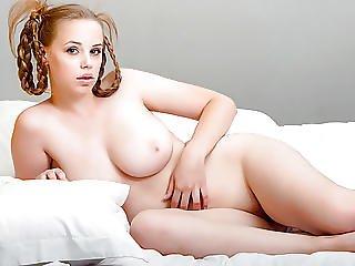 Lovely And Curvy Babe Melony