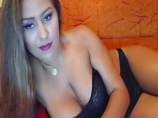 Live Sex Pervert Teen Cam Girl Moaning 01