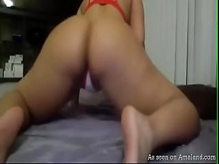 Thick Latina Chick Shaking Her Phat Ass On Camera