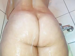 Big Ass Girl Taking A Shower !!!
