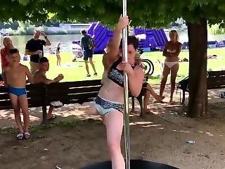 po amputacji, tańczenie, fetysz, słup