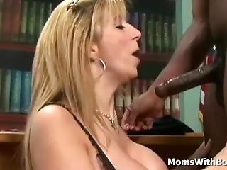 tette grandi, bionda, pompini, capo, sburrata, interrazziale, matura, milf, pornostar, sesso, giovane