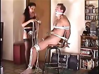 bondage, femdom, punheta, atada
