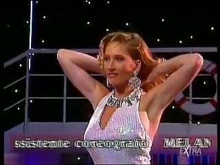 Bionda Striptease En Colpo Grosso