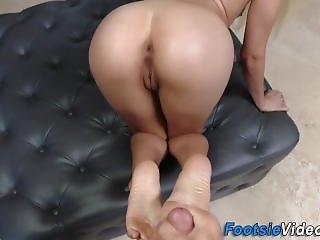 Petite Sluts Toes Cumshot