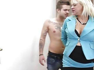 Wild Sex Between Mature Mom And Teen Son