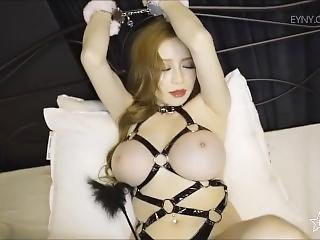 Big Tits Chinese Nude Model Zhang Yuxin Temptation Video