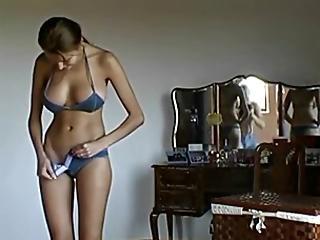 Yr nude gal video