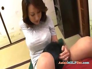 Milf Getting Her Pussy Rubbed With Cock Licked Giving Blowjob For Young Guy Cum To Mouth On The Floo