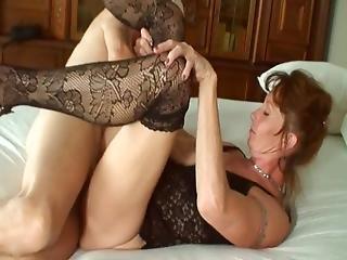 Busty asijské anální sex