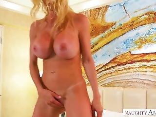 Alexis Fawx Likes Cock