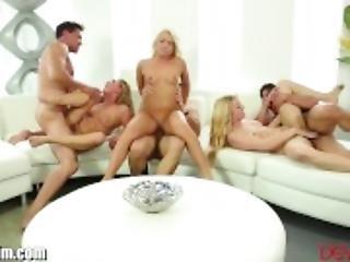 asiatisk, babe, blond, blowjob, sperm, spermbytting, gruppesex, hårete, naturlig, naturlige pupper, liten, piercet, sex, barbert, små pupper, tattovering