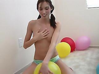 balon, titte, hintern, brünette, höschen, zopf, reiten, mager, softcore, solo, Jugendliche