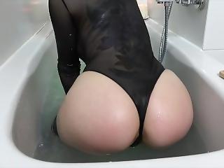 Squirting In Der Badewanne