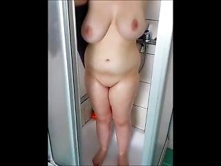 Chubby Teen Show Big Natural Tits In Shower