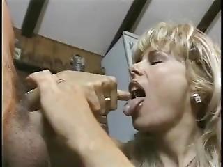 Retro Handjob From A Blonde Hottie