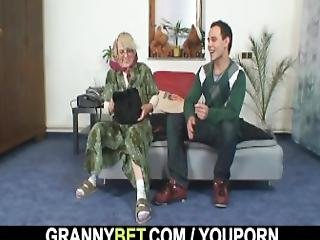 grand-mère, mamie, seule, mature, vieux, réalité, sexe, jeune