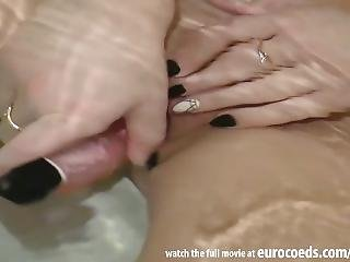 Teen Hairless Shaved Gash Underwater Pussy Masturbating Nika Teenage Peach