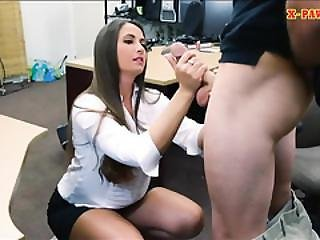 Big Butt Amateur Brunette Babe Screwed At The Pawnshop