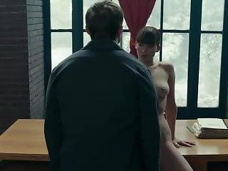Jennifer Lawrence Spreads Her Pussy To Fuck