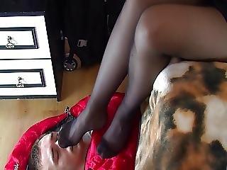 Babe, Brunette, Feet, Femdom, Fetish, Foot, Nylon