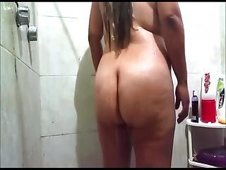 Mov7 (mexican Girl With A Fat Ass Showers)