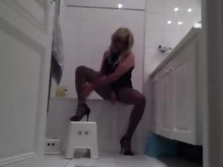 Bathroom Cd Tv Ts Pantyhose Slut