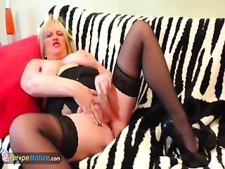 Europemature Blonde Alisha Using Glass Dildo