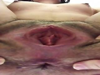 Close Up Both Holes Spread