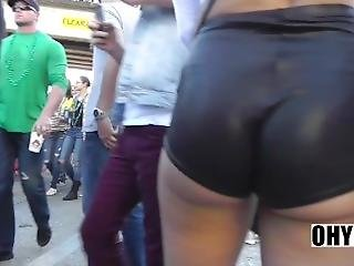 Nice Jiggly Ass In Leather Booty Shorts