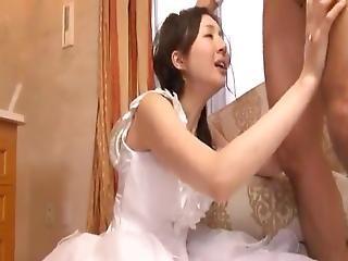Nevěsty, Péro