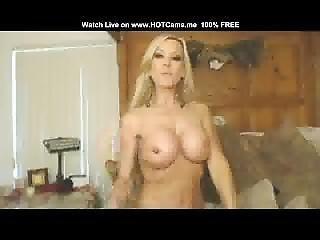Skinny Busty Blonde Milf Masturbate