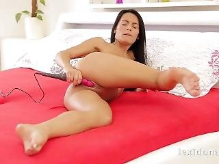 Lexi Dona - I Love To Tease My Pussy With A Vibrator To Orgasm For You