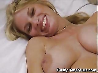 Blonde Hottie Mary Masturbate Her Hairy Pussy