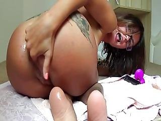 Camilla Moon - Funny Bitch Really Cum With A Toy In The Pussy And Ass