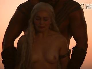 Emilia Clarke Naked In Game Of Thrones S01e01 Sc02