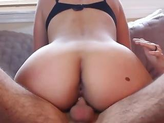 Tight Yoga Pants Girlfriend Bounces Ass On Me For A Creampie