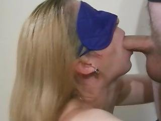 Young Wife Does Blowjob, Cum In Mouth And Swallows Cum