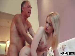 soverom, blond, blowjob, rompe, knulling, bestefar, hardcore, nympho, gammel, gammel ung, sex, Tenåring, ung
