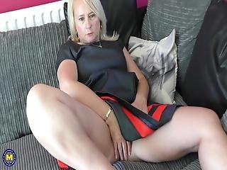 Chubby Mature Mother Wants A Good Sex