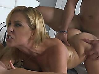 Stepmom Cherie Deville Bathroom Threesome Sex With Teen Kelly Green
