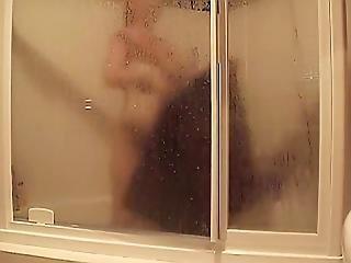 Hot Girl Grab Towel-hidden Cam Clip