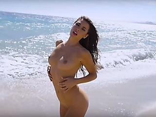 Sexy Natural Babe Models Show Their Hot Sensual Bodies