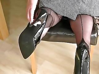 Fully Fashioned Feet